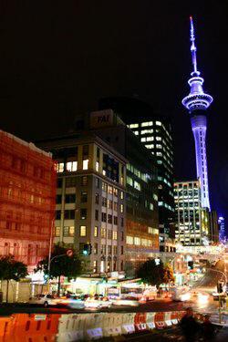 Novi Zeland 250px-DowntownAucklandNight