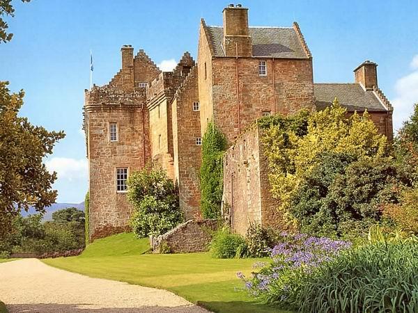 Škotska - Page 2 Brodick_castle%204