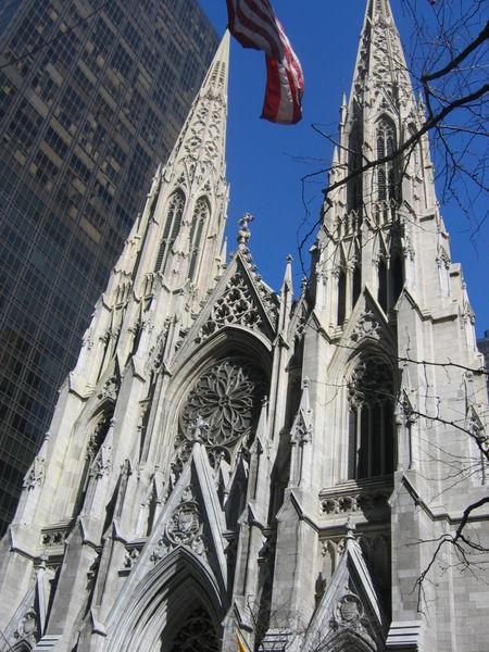 Sjedinjene Američke Države 450px-Saint_Patrick_front1%20CATHEDRAL-NY